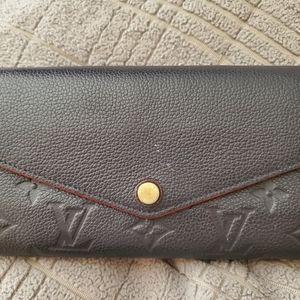 Authen Louis Vuitton Sarah Wallet